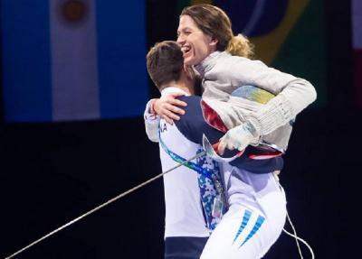 Romantis, Atlet Anggar Ini Dilamar Pelatihnya Setelah Tanding di Olimpiade Tokyo 2020