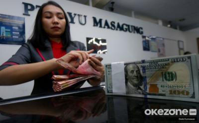 Rupiah Tertekan Dolar AS ke Level Rp14.490