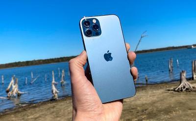 Penjualan iPhone Melonjak 50% di Tengah Pandemi