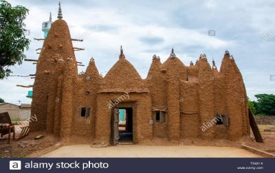 8 Masjid Kuno Kekaisaran Mali di Pantai Gading Kini Berstatus Warisan Dunia UNESCO