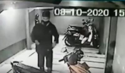 Deretan Aksi Maling Terekam CCTV, Ada yang Mencuri HP Jamaah Masjid