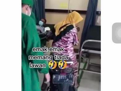 Emak-Emak Bawa Motor Antar Pasien Sakit hingga Masuk IGD, Netizen: Gak Ada Lawan