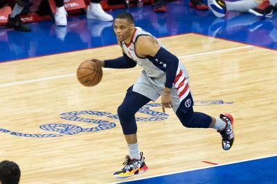 Russell Westbrook Merapat, LA Lakers Makin Bertabur Bintang