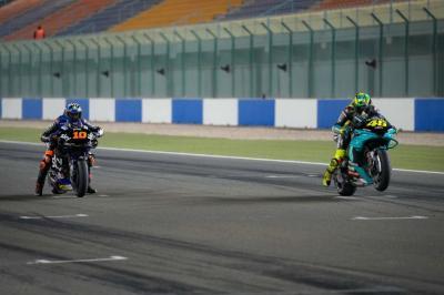 Sang Adik Tiri Bujuk Valentino Rossi untuk Tak Pensiun Dulu dari MotoGP
