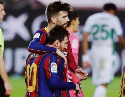 Lionel Messi Didesak Pique untuk Segera Perpanjang Kontrak di Barcelona