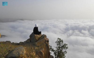 """Saat Musim Panas Ada Negeri """"di Atas Awan"""" Arab Saudi"""
