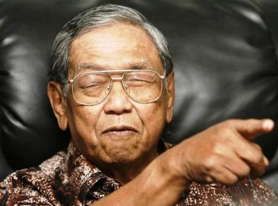 Tiga Langkah Mencerna Politik Luar Negeri Ala Gus Dur