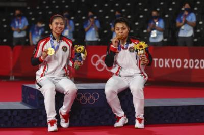 Greysia Apriyani Raih Medali Emas, Sri Mulyani Ikut Nangis