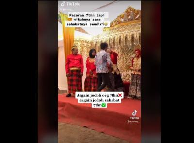 Viral! Pria Ini Tertegun Sedih Saksikan Sahabatnya Menikahi Pacarnya