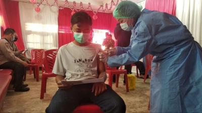 Vaksinasi Merdeka Digelar, Bansos PPKM Level 4 Tetap Disalurkan