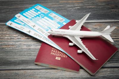 Tunjukkan Surat Vaksinasi Palsu, 2 Turis Amerika Didenda Rp231 Juta