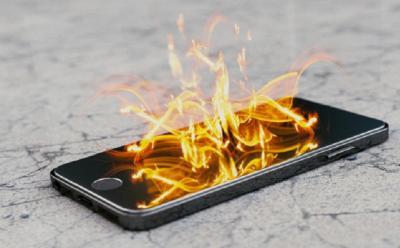 Baterai Ponsel Kembung Rentan Meledak, Waspadalah!