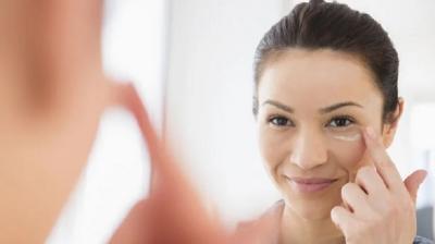 Cara Memakai Makeup untuk Si Pemilik Kulit Kering