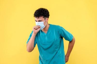 Tips Dokter Tirta untuk Pasien Covid-19 yang Sakit Tenggorokan: Minum Jahe Hangat