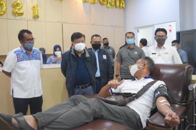 Kunjungi UDD PMI DKI Jakarta, JK Ajak Penyintas Covid-19 Berdonor Darah