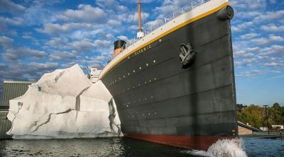 Replika Gunung Es di Museum Titanic Runtuh, 3 Orang Terluka
