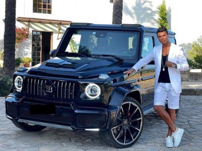 Cristiano Ronaldo Pamer Mercy Wagon Hadiah Ultah dari Georgina Rodriguez, Berapa Harganya?