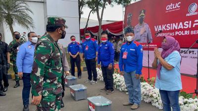 Tinjau Vaksinasi di Jabar, Panglima TNI Haturkan Terima Kasih ke Tenaga Kesehatan