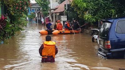 Atasi Banjir di Pakualam Serpong Utara, PU Tangerang Selatan Lakukan Rekayasa Saluran Air