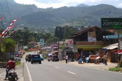 Terdampak PPKM, Pedagang Kaki Lima di Puncak Bogor Gulung Tikar