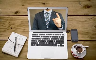 2 Cara Ini Bisa Jadi Pengganti Kamera Laptop