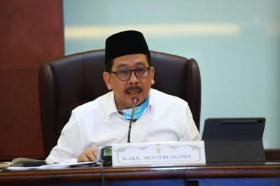 Promosi Doktor, Disertasi Wamenag Kaji Konflik Ideologi FPI-HTI dengan NU-Muhammadiyah di Ruang Digital