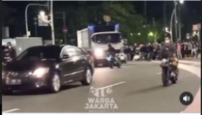 Saat PPKM Diberlakukan, Aksi Balap Mobil Liar Terjadi di Senayan