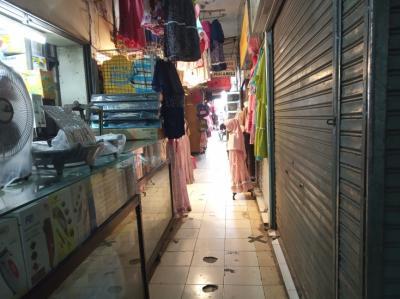 Penampakan Sepinya Pasar Cengkareng saat PPKM Level 4, Omzet Pedagang Turun Drastis