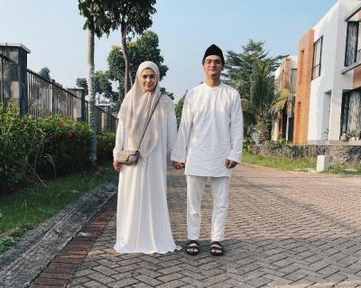 Diangkat Jadi Komisaris, Intip 5 Potret Keluarga Sakinah Ricky Harun dan Herfiza Novianti