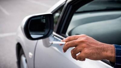Kebiasaan Merokok dalam Mobil Bikin Harga Kendaraan Anjlok, Kok Bisa?