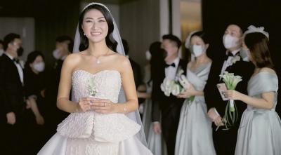 5 Potret Pernikahan Asisten Nia Ramadhani, Theresa Wienathan Cantik Bergaun Putih
