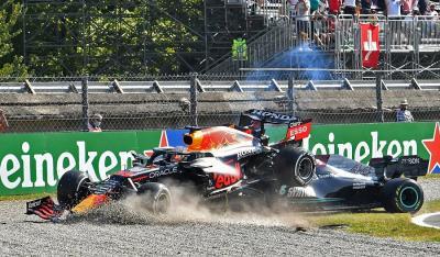 Max Verstappen Dapat Penalti karena Insiden dengan Lewis Hamilton, Kepala Tim Red Bull Kecewa Berat