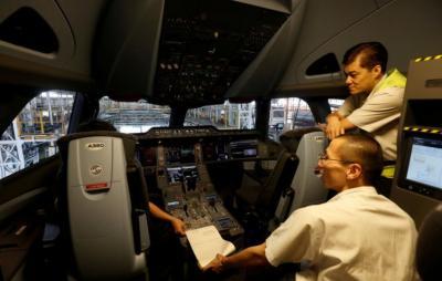 Pilot Harus Bertitel Sarjana, Ternyata Ini Lho Alasannya