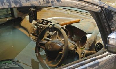 Teliti Sebelum Membeli, Ini 5 Ciri Mobil Bekas Terendam Banjir