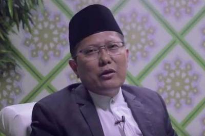 KH Cholil Nafis Tegaskan Berhubungan Intim Melalui Belakang Hukumnya Haram