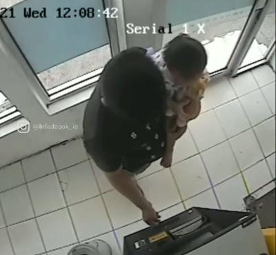 Viral! Pria Ini Kuras ATM Orang yang Lupa Cabut Kartu