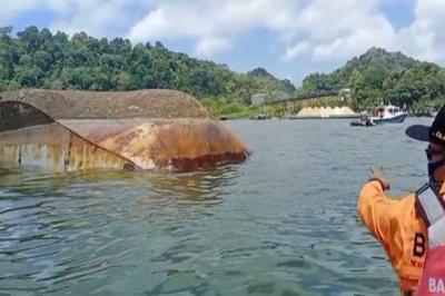 Kronologi Tenggelamnya Kapal Kemenkumham di Nusakambangan