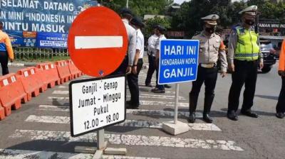Ganjil Genap di TMII, Pintu Masuk Dijaga Ketat Polisi