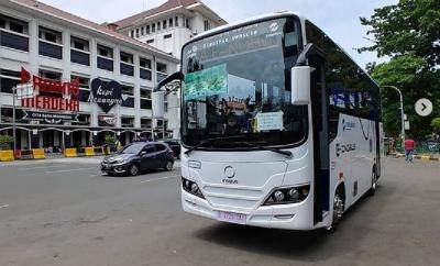 Gratis! Masyarakat Diperbolehkan Naik Bus Listrik saat Uji Coba
