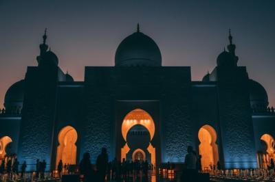 Menyesal Pernah Ikut Hancurkan Masjid, Pria Ini Masuk Islam dan Bangun 100 Masjid