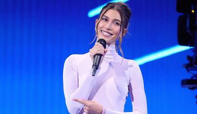 Pakai Dress Putih Tembus Pandang, Celana Dalam Istri Justin Bieber Terpampang Nyata
