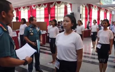 Jago Bahasa Rusia, Calon Tentara Cantik Ini Bikin Panglima TNI Terpukau