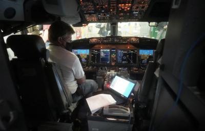 Jangan Jadi Pilot Kalau Enggak Mau Pusing, Begini Persiapannya Sebelum Terbang