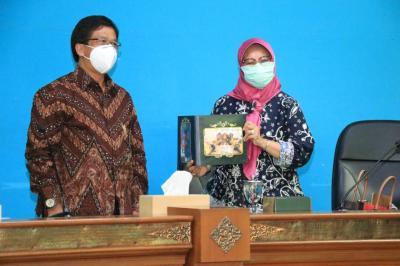 Kunjungi UNS, Sekretaris Ditjen Dikti Apresiasi Ketercapaian IKU UNS