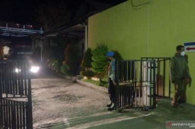 Dikawal Ketat, Jenazah DPO Teroris Poso Tiba di Palu