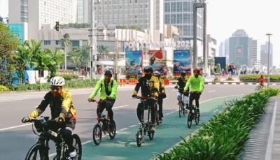Tak Ada Pembatasan Bagi Pesepeda, Jalan Thamrin Terpantau Sepi