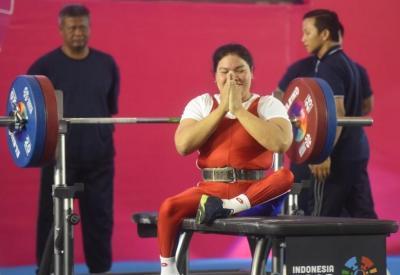 Atlet Angkat Besi Sumut Incar Medali Emas di Peparnas XVI Papua 2021