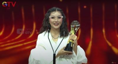 "The Onsu ""Borong"" Piala di Obsesi Awards 2021"