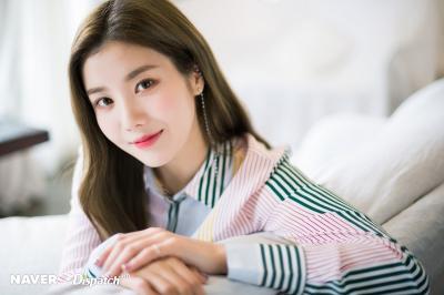 Jo Yuri Beri Kejutan di KCON, Kwon Eunbi Menangis Terharu