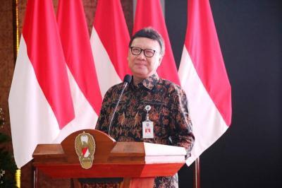 Tjahjo Kumolo Sebut Panselnas Kesulitan Hadapi Guru Lansia di Seleksi PPPK
